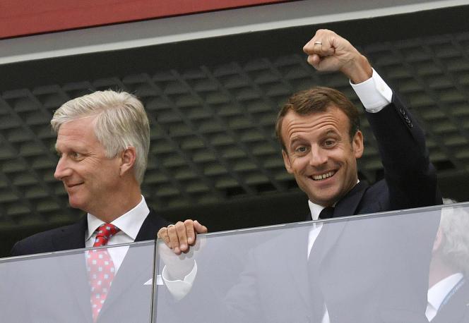 Le président Emmanuel Macron aux côtés du roi Philippe de Belgique, le 10 juillet, à Saint-Pétersbourg.