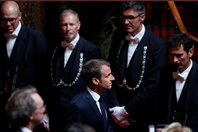 Emmanuel Macron lors de son arrivée à Versailles pour s'adresser au Congrès, le 9 juillet.