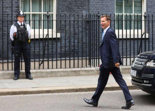 Jeremy Hunt à son arrivée à Downing Street, à Londres, le 10 juillet.