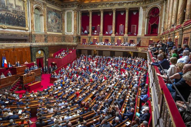 «Si la réforme constitutionnelle voulue par Emmanuel Macron permet de renforcer le pouvoir judiciaire en procédant à l'indépendance des parquets, elle oublie en revanche de renforcer le pouvoir législatif» (Emmanuel Macron devant le parlement réuni en Congrès à Versailles, lundi 9 juillet).