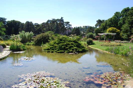 Un jardin botanique, un zoo, des pelouses à perte de vue... Le Parc de la tête d'or est un incontournable lyonnais.