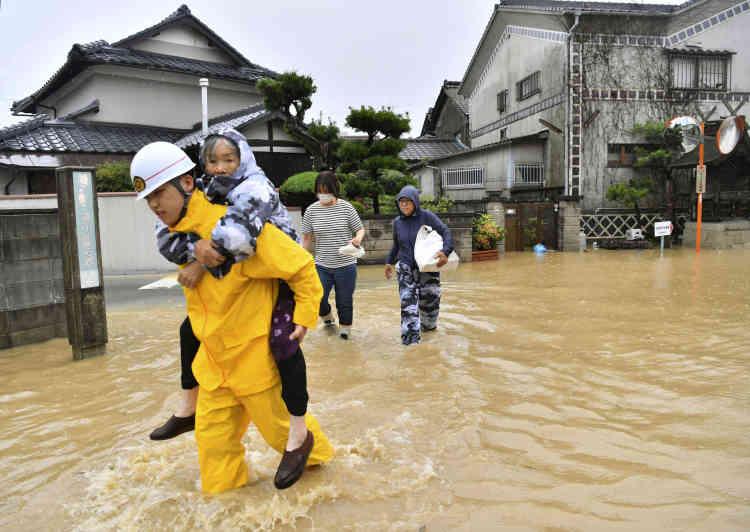 Evacuation à Kurashiki,dans la préfecture d'Okayama, le 7 juillet.