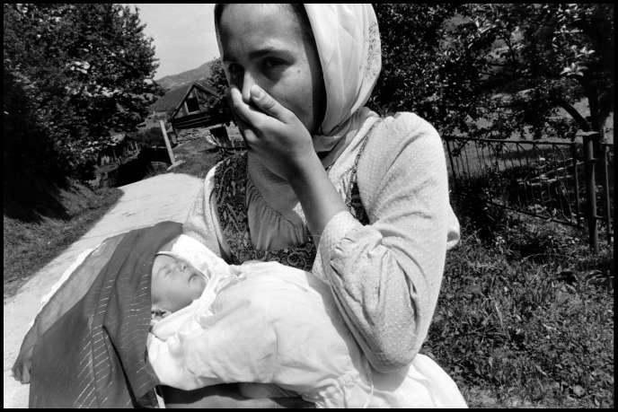 Une photo de Gilles Peress prise près de Busovaca, en Bosnie-Herzégovine, en juin 1993.