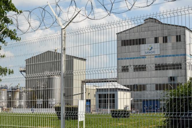 Le complexe chimique Sanofi du bassin de Lacq à Mourenx, dans les Pyrénées-Atlantiques, le 9 juillet.
