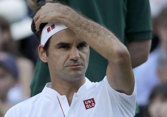 Roger Federer lors de son match face à Kevin Anderson, à Wimbledon, le 11 juillet 2018.