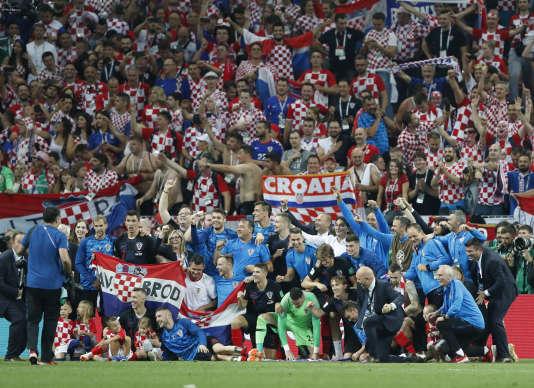 Les Croates célèbrent leur qualification en finale après leur victoire face à l'Angleterre, le 11 juillet à Moscou.