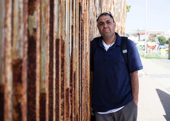 Miguel Perez, à Tijuana, en mai. Il a été expulsé des Etats-Unis, après deux missions en Afghanistan.