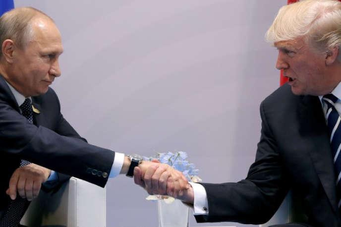 Vladimir Poutine et Donald Trump au sommet du G20, à Hambourg, en juillet 2017.