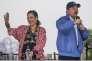 « Les féministes réprouvent dès 1998 le système d'impunité qui permet à Ortega d'échapper à la justice, après que la fille de Murillo et sa fille adoptive, Zoilamérica Narváez, l'ait dénoncé pour viols commis contre elle tout au long de l'enfance» (Daniel Ortega et sa femme, Rosario Murillo, 17 juillet, à Managua).