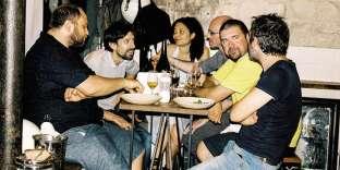 La bande aux Bars populaires au restaurant Jones, à Paris, le 9 juillet.