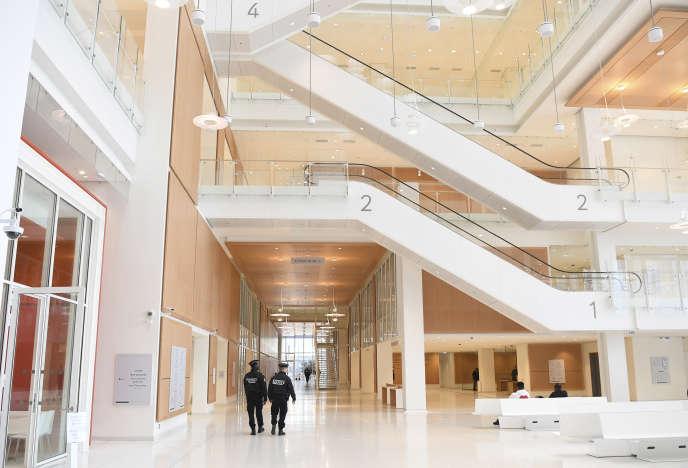 Les événements se sont déroulés dans les locaux du nouveau tribunal de Paris.