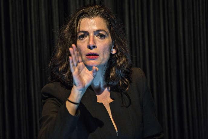 Emmanuelle Laborit dans«Dévaste-moi»,de Johanny Bert et Yan Raballand.