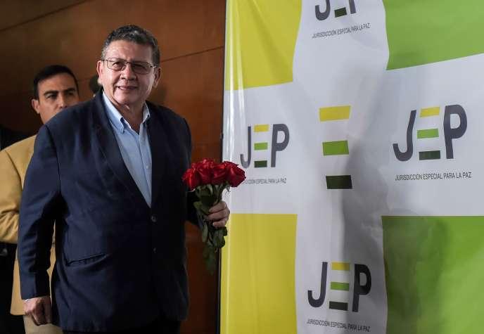 Pablo Catatumbo, membre du parti issu des FARC, au siège de la Juridiction spéciale pour la paix, à Bogota, le 13 juillet.