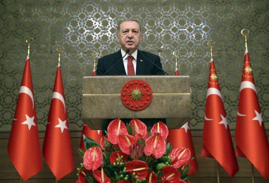 Le président turc, Recep Tayyip Erdogan, au Parlement d'Ankara, le 13 juillet.