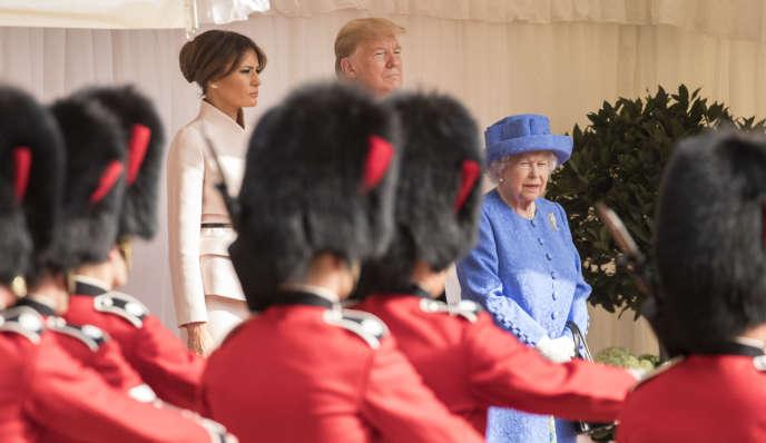 Le président des Etats-Unis, Donald Trump et son épouse, Melania aux côtés de la reine Elizabeth II au château de Windsor, le 13 juillet.