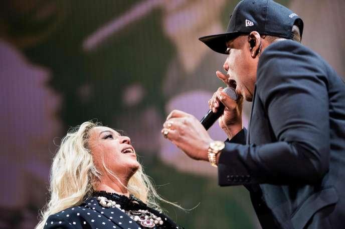 Beyoncé et Jay-Z en concert à Cleveland (Ohio), en novembre 2016.
