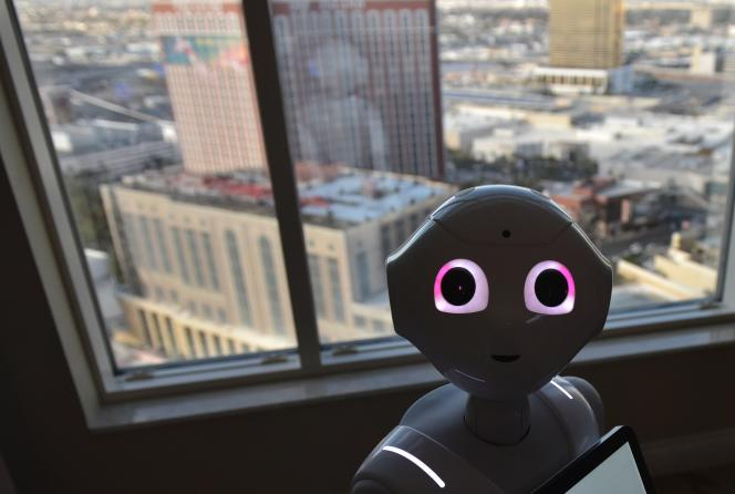 « La compagnie ne se définira plus seulement par la présence d'un humain, mais aussi d'une machine», selon Serge Tisseron.