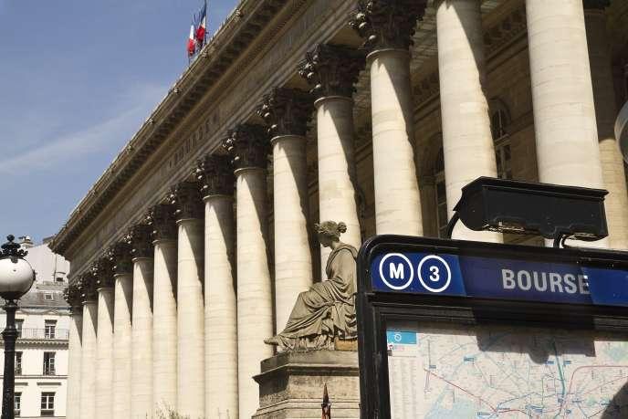 «80 sur 85 ont leur siège social en France (dont 73 dans l'ouest de la région parisienne); 90 % de leurs dirigeants et 92 % de leurs administrateurs sont français.»
