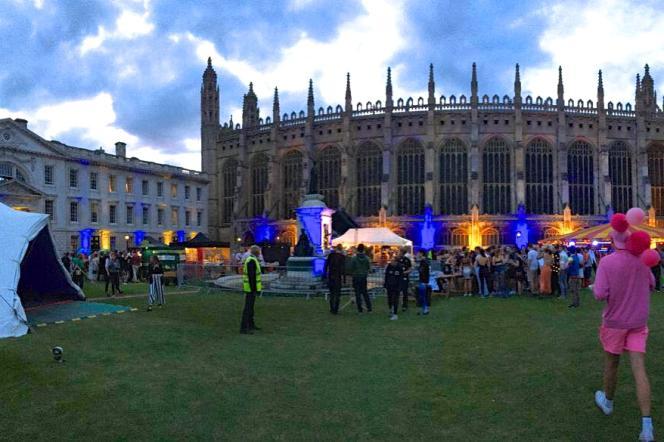 Le bal du King's College, à Cambridge, King's Affair, a tout d'un festival multivitaminé.