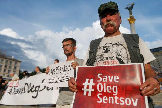 «Si rien n'est fait là, tout de suite, il va mourir dans une des colonies pénitentiaires de celui avec qui vous avez prévu d'assister à ce match» (Photo: le 13 juillet, à Kiev, en Ukraine).
