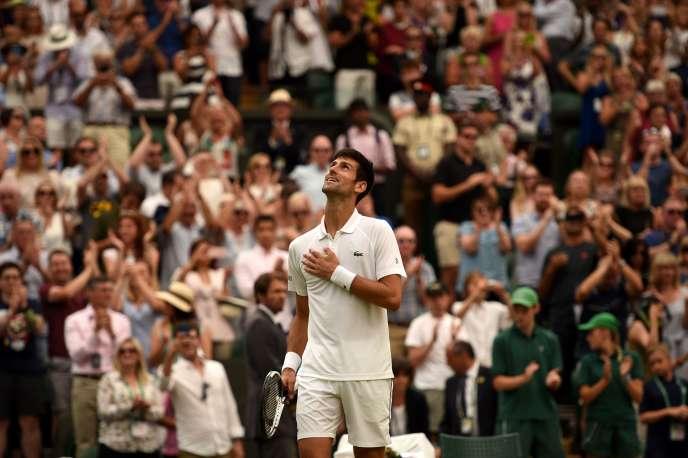 Le Serbe Novak Djokovic, lors de sa victoire en demi-finale du tournoi de Wimbledon face à Rafael Nadal, le 14 juillet 2018.