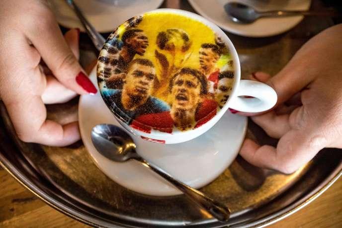Tasse de café, Zagreb, 14 juillet 2018.