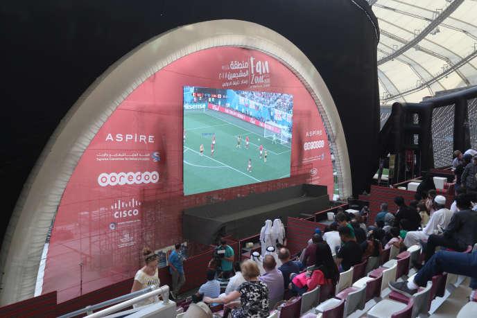 Les matchs de la Coupe du monde 2018 en Russie ont été suivis depuis un stade de handball, à Doha.