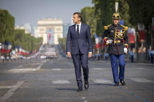 Emmanuel Macron préside le défilé militaire du samedi 14 juillet 2018, sur les Champs Elysées à Paris.