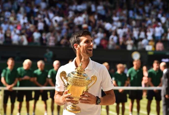 Le Serbe Novak Djokovic après sa victoire à Wimbledon contre Kevin Anderson, à Londres le 15 juillet.