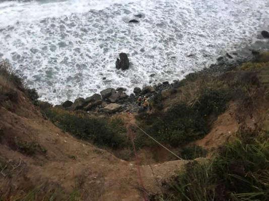 Angela Hernandez a été retrouvée au pied d'une falaise de près de 70 mètres de haut, dans le Comté de Monterey.