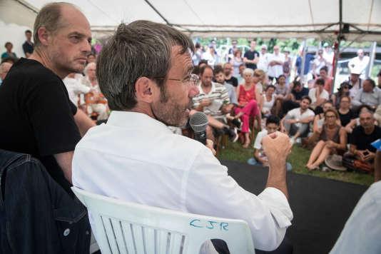 Intervention de David Pujadas, à côté de Fabrice Lhomme (« Le Monde»), au Festival de journalisme de Couthures, en juillet 2018.