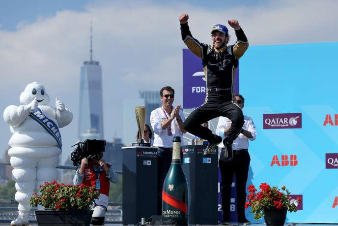 Jean-Eric Vergne saute de joie avec ce titre à New York, le dimanche 14 juillet.