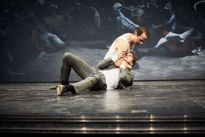 « Pur présent», deet mis en scène par Olivier Py à La Scierie à Avignon.