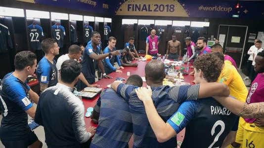 Dans les vestiaires des Bleus, à quelques instants du coup d'envoi de la finale contre la Croatie, le 15 juillet.