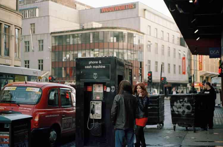 «Cette photographie date de mon premier séjour à Glasgow en2009. J'étais partie à l'initiative du pôle photographique de Picardie (Diaphane) pour le projet Destination Europe. En cinq jours, j'ai réalisé une partie des photographies qui restent fondatrices de la série et qui m'ont donné envie de poursuivre ce travail.»