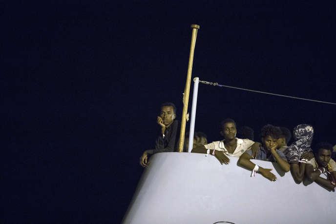 A bord du patrouilleur « Protector », de l'agence Frontex, à Pozzallo, en Sicile, lundi 16 juillet.