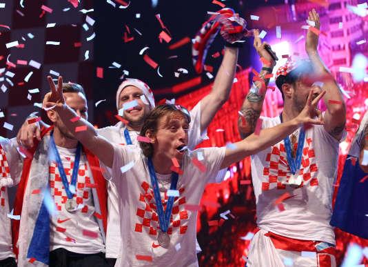 Luka Modric acclamé par la foule, à Zagreb, le 16 juillet.