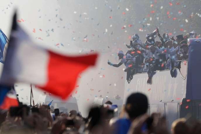 Défilé des Bleus, le 16 juillet, sur les Champs-Elysées.