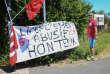 Des syndicalistes du groupe de prêt-à-porter Happychic bloquent l'entrepôt de Wattrelos (Nord) de la marque Jules, le 2 juillet.