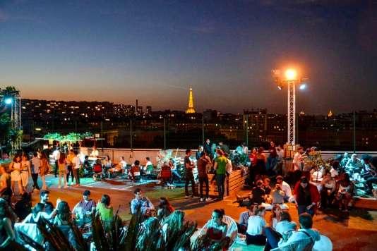 La TourEiffel vue du Jardin supendu, dans le 15e arrondissement, à Paris.