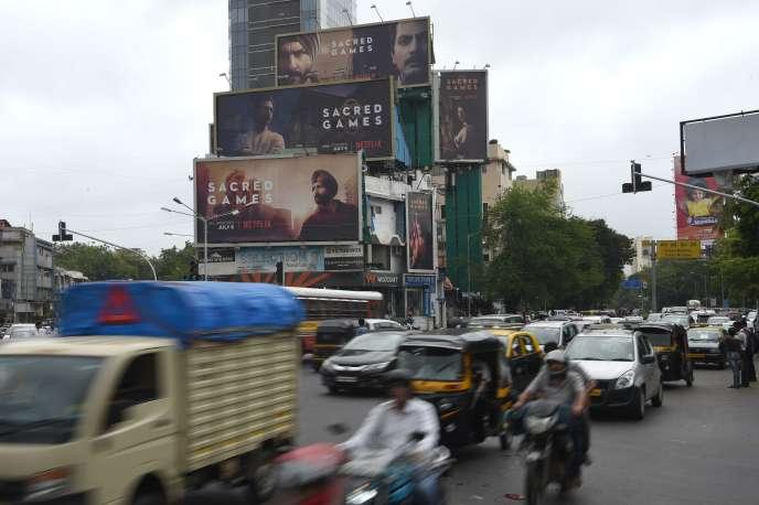 Publicités pour la première série indienne entièrement financée par Netflix,« Sacred Games», à Bombay (Inde), le 4 juillet 2018.