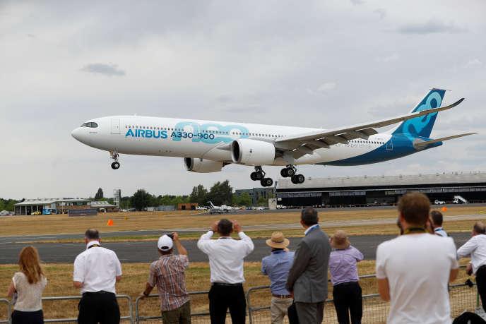 Un Airbus A330-900neo au salon de l'aéronautique de Farnborough, en Grande-Bretagne, le 16 juillet.