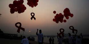 Lors de la Journée mondiale de lutte contre le sida, à Calcutta, en décembre 2014.