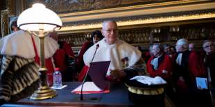 President of the French court of cassation Bertrand Louvel (C) is pictured prior to the traditional New Year wishes' ceremony at the court of Cassation, France's highest civilian court, on January 13, 2017 in Paris. / AFP PHOTO / LIONEL BONAVENTURE
