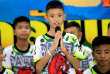 Les douze enfants thaïlandais et leur entraîneur de football, miraculeusement sauvés après dix-sept jours passés dans une grotte en Thaïlande, se sont exprimés pour la première fois, mercredi 17 juillet, lors d'une conférence de presse.