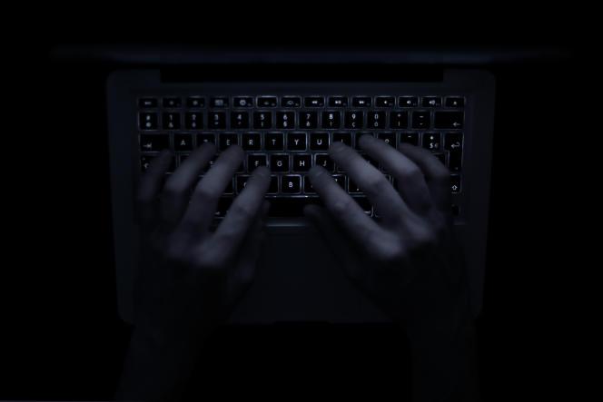 Un rapport remis au premier ministreformule des préconisations pour mieux réprimer les propos racistes et antisémites sur Internet.