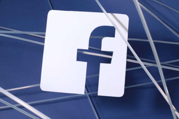 Facebook a annoncé la suppression de 32 faux comptes liés, selon lui, à des tentatives de manipulation politique.