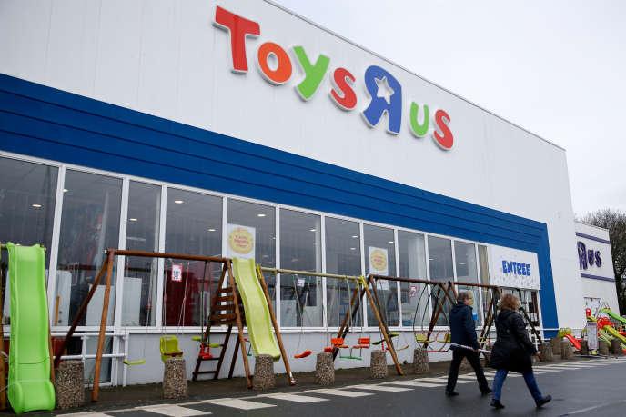 Le magasin Toys'R'Us de Saint-Sébastien-sur-Loire près de Nantes, le 15 mars.