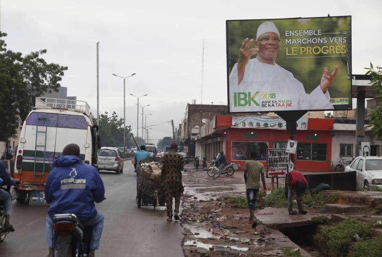 A Bamako, une affiche de campagne représentant le président malien, Ibrahim Boubacar Keïta, candidat à sa réelection le 29 juillet.