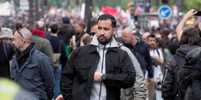 Alexandre Benalla,collaborateur de l'Elysée, lors du défilé du 1er mai 2018.